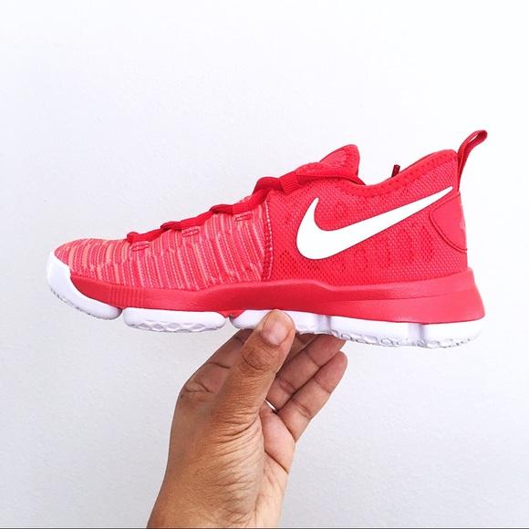 sports shoes d9e7c 64fae Nike Unisex KD 9 Kevin Durant Kids Shoes Size 2Y